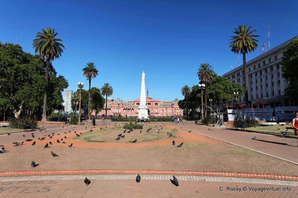 Panoramic view of the Plaza de Mayo, Casa Rosada Plaza de ...