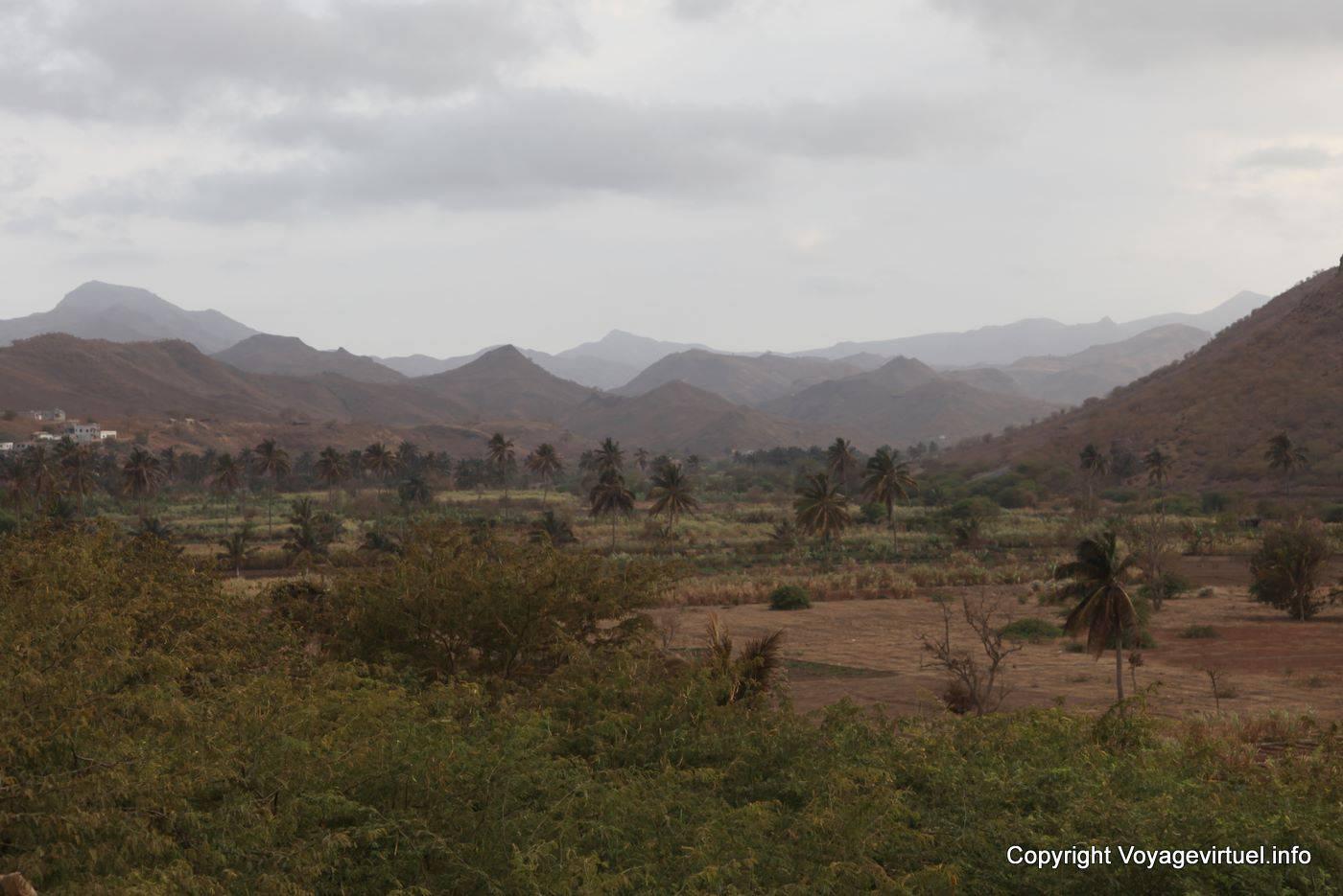 Santiago inner landscape cape verde for Paysage vert