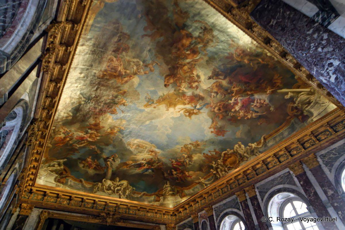 Ceiling of the hercules salon versailles for Salon de versailles