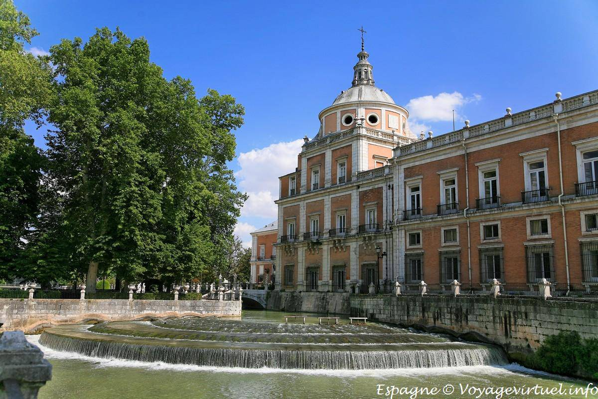 large map of spain with Aranjuez Palacio Real 5894 on 150338 together with 5293867 further Aranjuez Palacio Real 5894 in addition 109496492 moreover 2719.