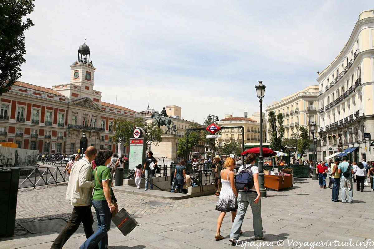 Madrid Puerta Del Sol Overlooking The Real Casa De