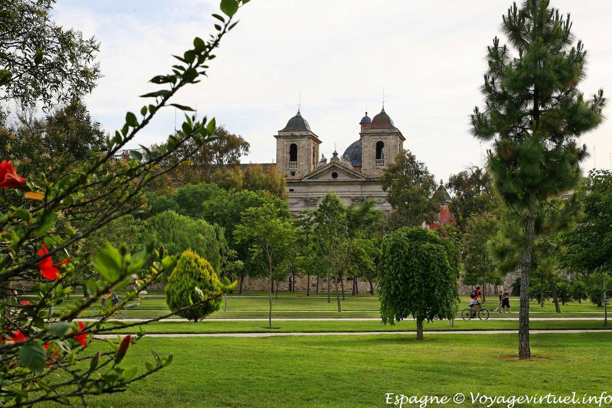 Valencia greenery the jardin de turia spain for Jardines de turia