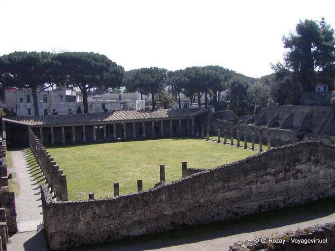 Une dernière goutte.  Pompei018