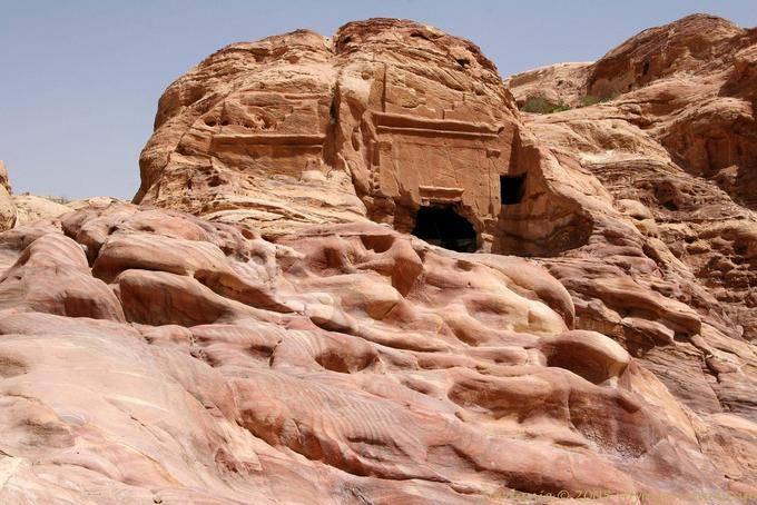 petra-wadi-el-metaha_320