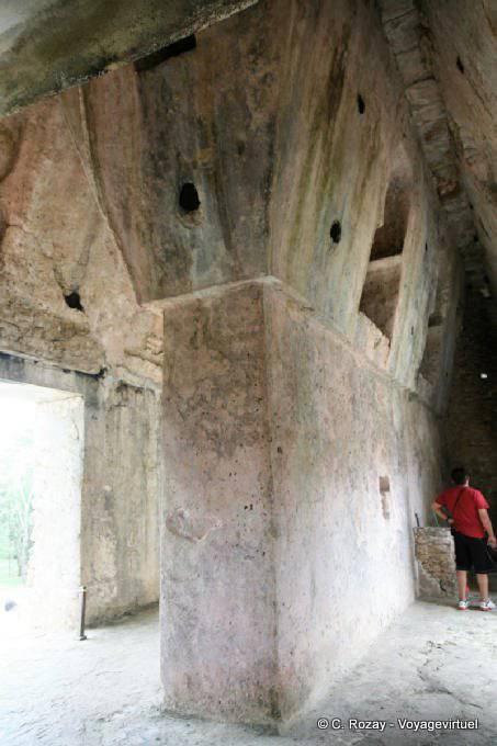 La Palacio de Palenque, El Palacio 30
