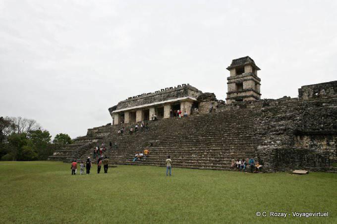 La Palacio de Palenque, El Palacio 32