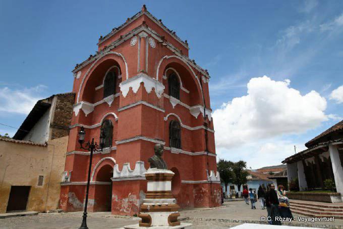 San Cristobal de las Casas, arco del Carmen-3