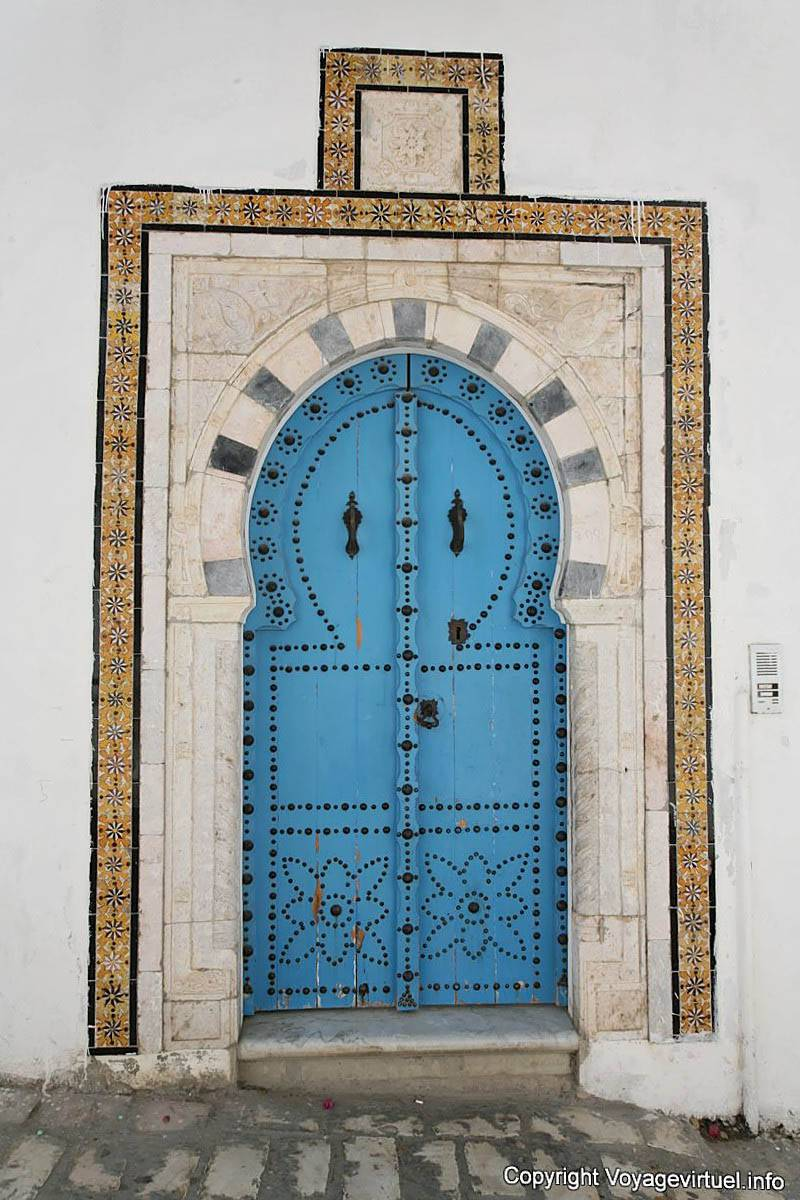 Sidi bou said blue door tunisia for Decoration porte sidi bou said