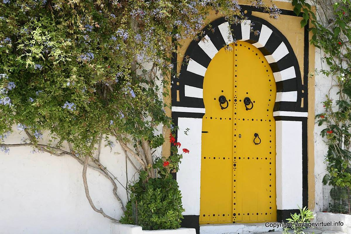 Sidi bou said yellow door tunisia for Decoration porte sidi bou said