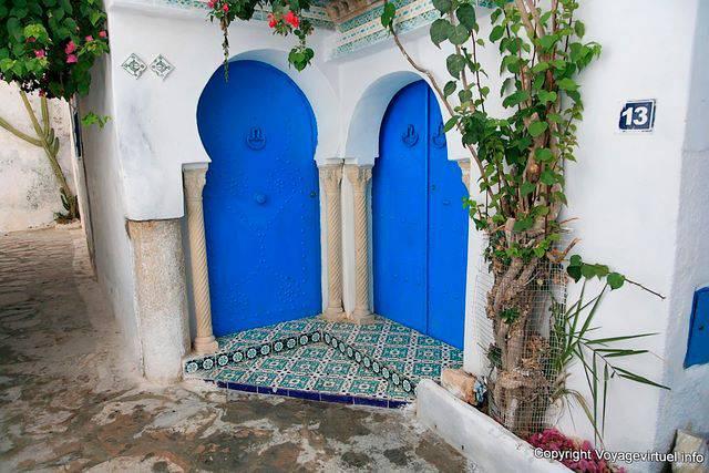 Hammamet double door in blue medina tunisia for Double porte